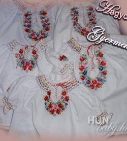 19bac0cec5 Hagyományos Gyermek BLÚZ (népvislet) - kézzel hímzett, kézzel szmokkolt -  matyó mintával - Juszticiám